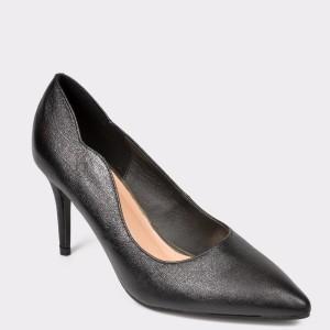 Pantofi MENBUR negri, 20901, din piele ecologica - uq9s01111dk2090199 diagonala simpla fundal gri - Pantofi MENBUR negri, 20901, din piele ecologica