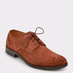 Pantofi CLARKS maro, Flowpla, din piele intoarsa