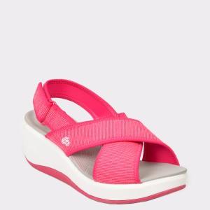 Sandale CLARKS roz, Stecaco, din material textil