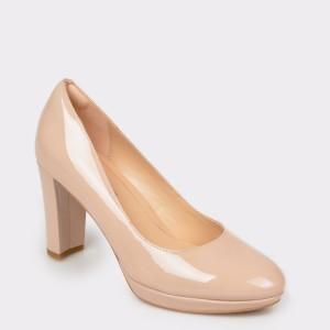 Pantofi CLARKS nude, Kendsie, din piele naturala lacuita