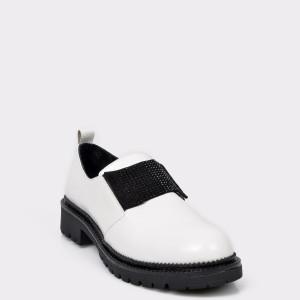 Pantofi FLAVIA PASSINI albi, BH150, din piele naturala lacuita