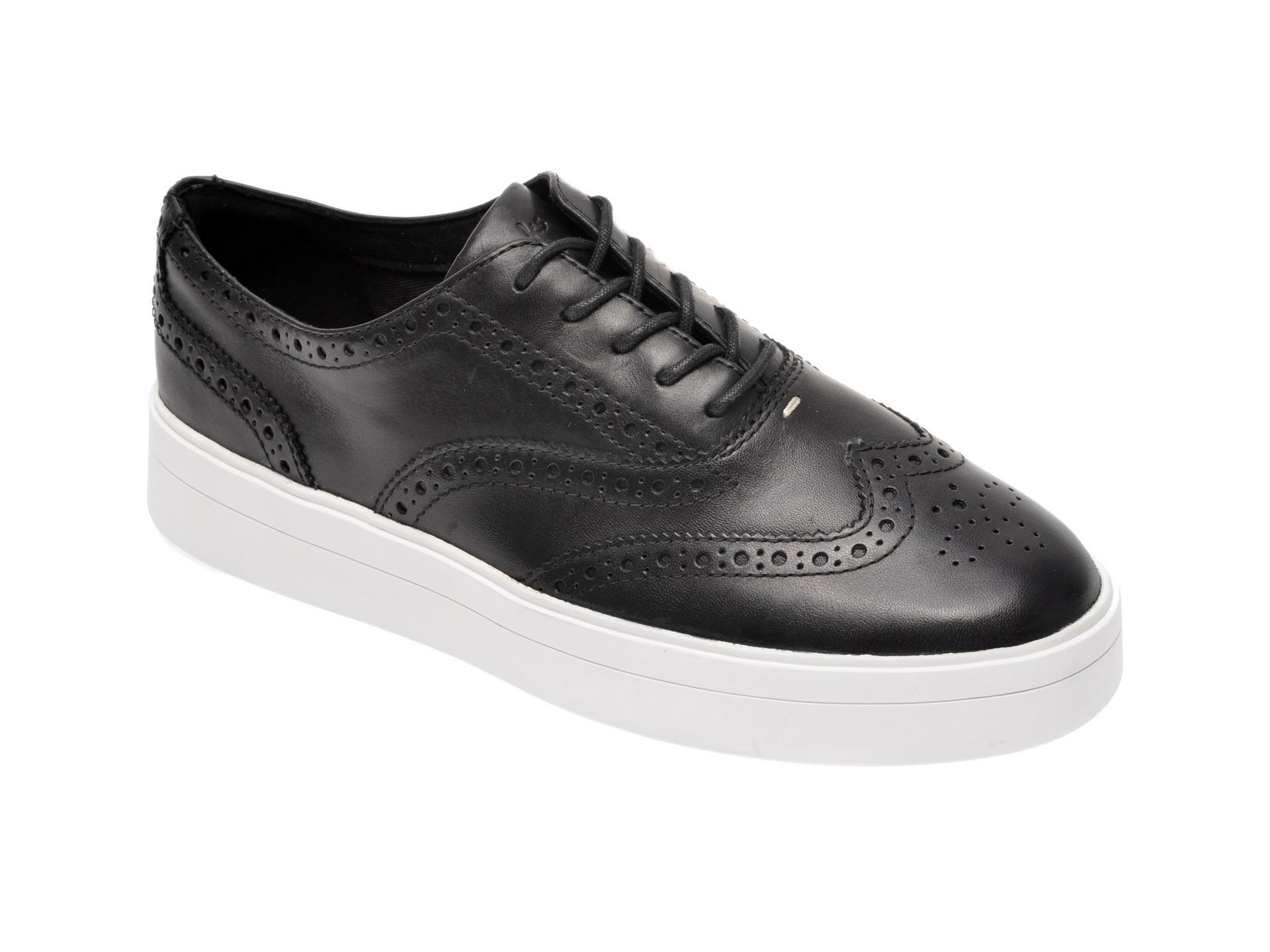 Pantofi CLARKS alb-negru, Hero Brogue., din piele naturala imagine