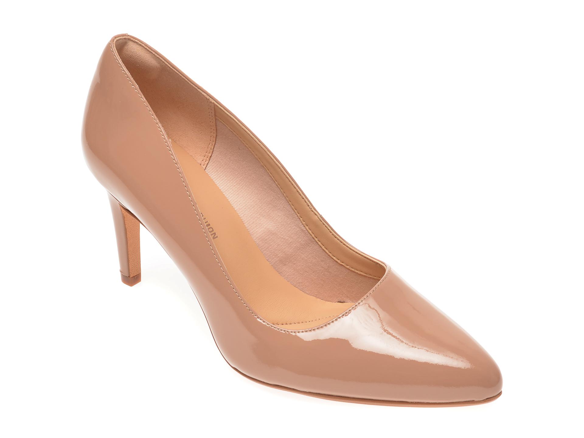 Pantofi CLARKS bej, Laina Rae, din piele naturala lacuita