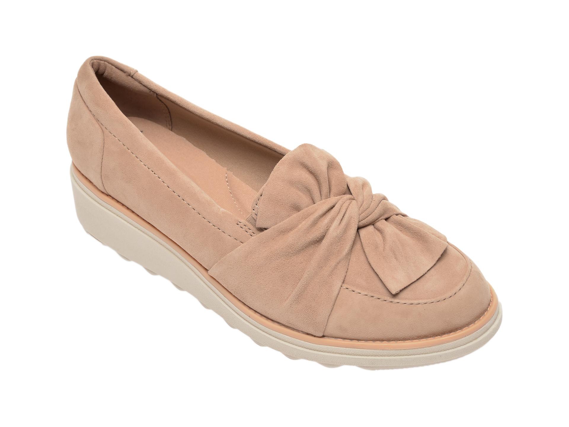 Pantofi CLARKS bej, Sharon Dasher, din piele intoarsa