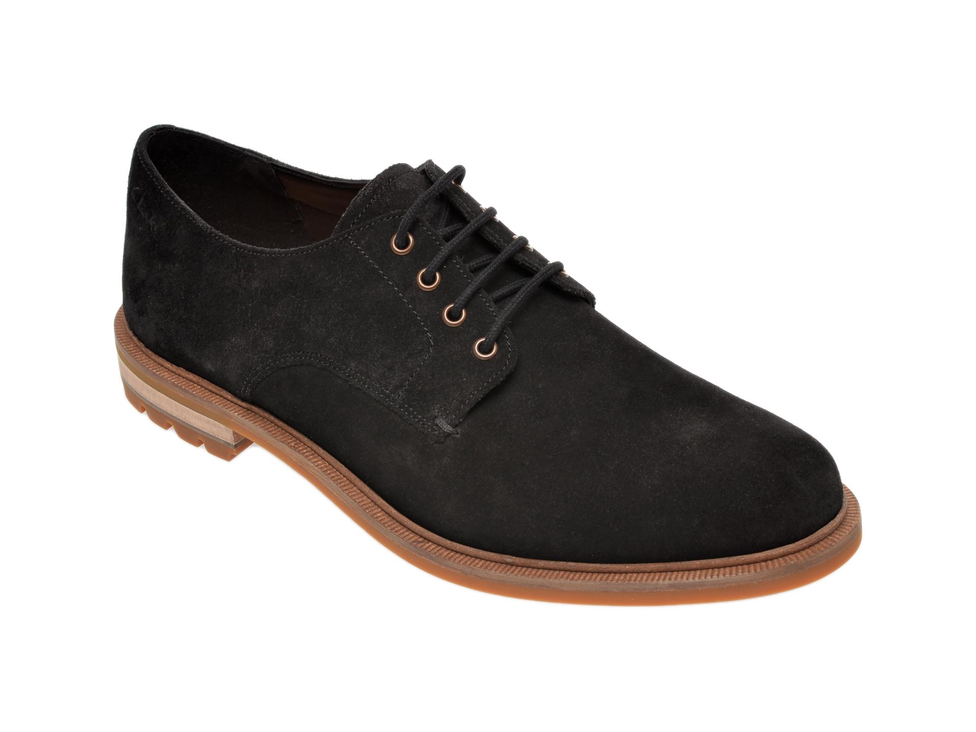 Pantofi CLARKS negri, Foxwell Hall, din piele intoarsa New