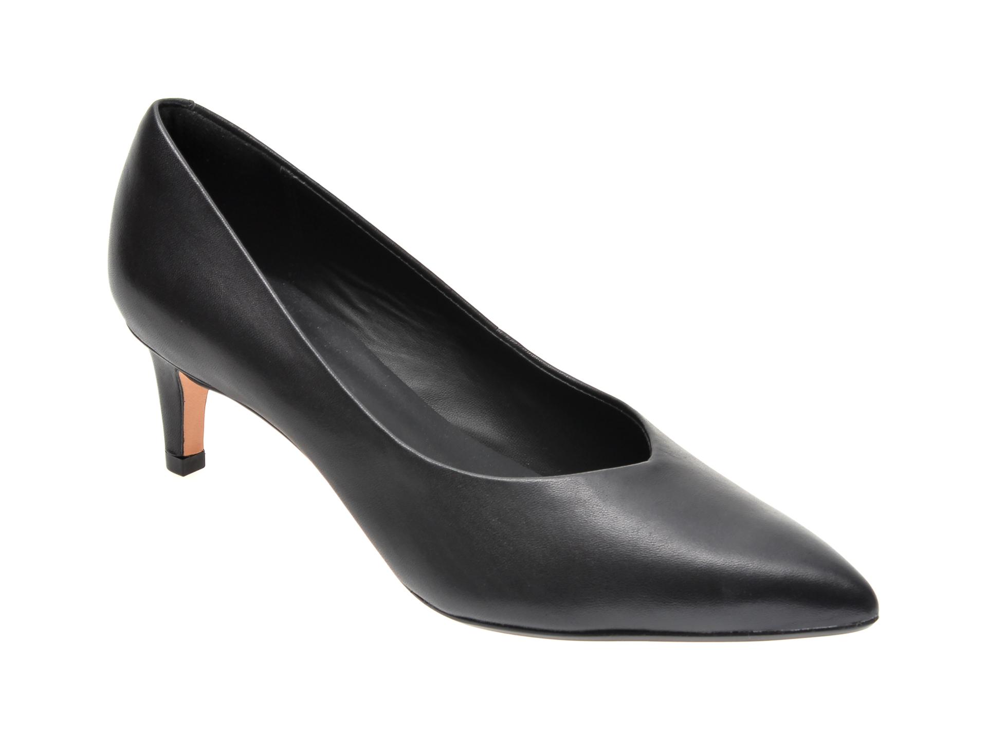 Pantofi CLARKS negri, LAI55C2, din piele naturala imagine
