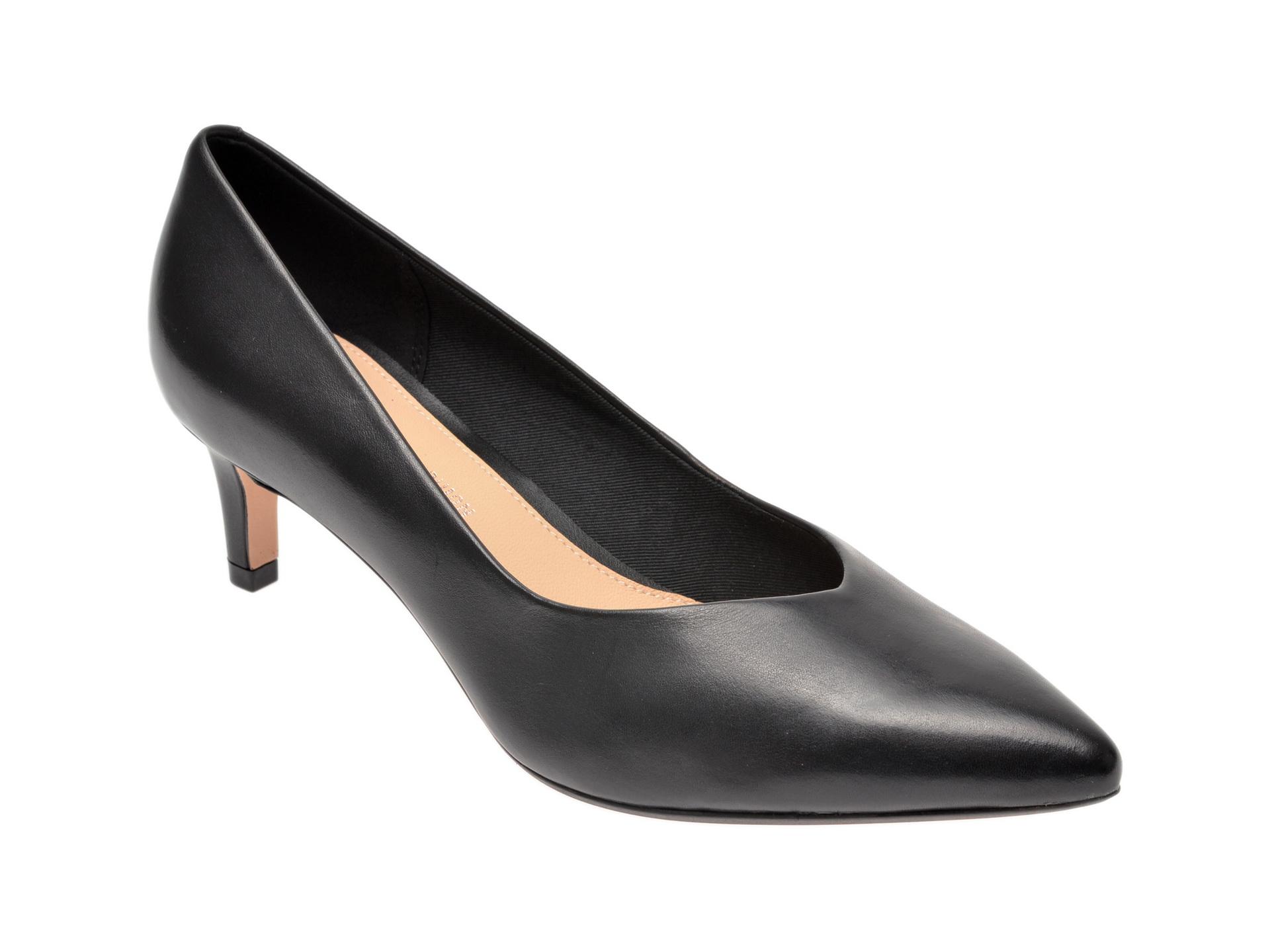 Pantofi CLARKS negri, Laina55 Court, din piele naturala