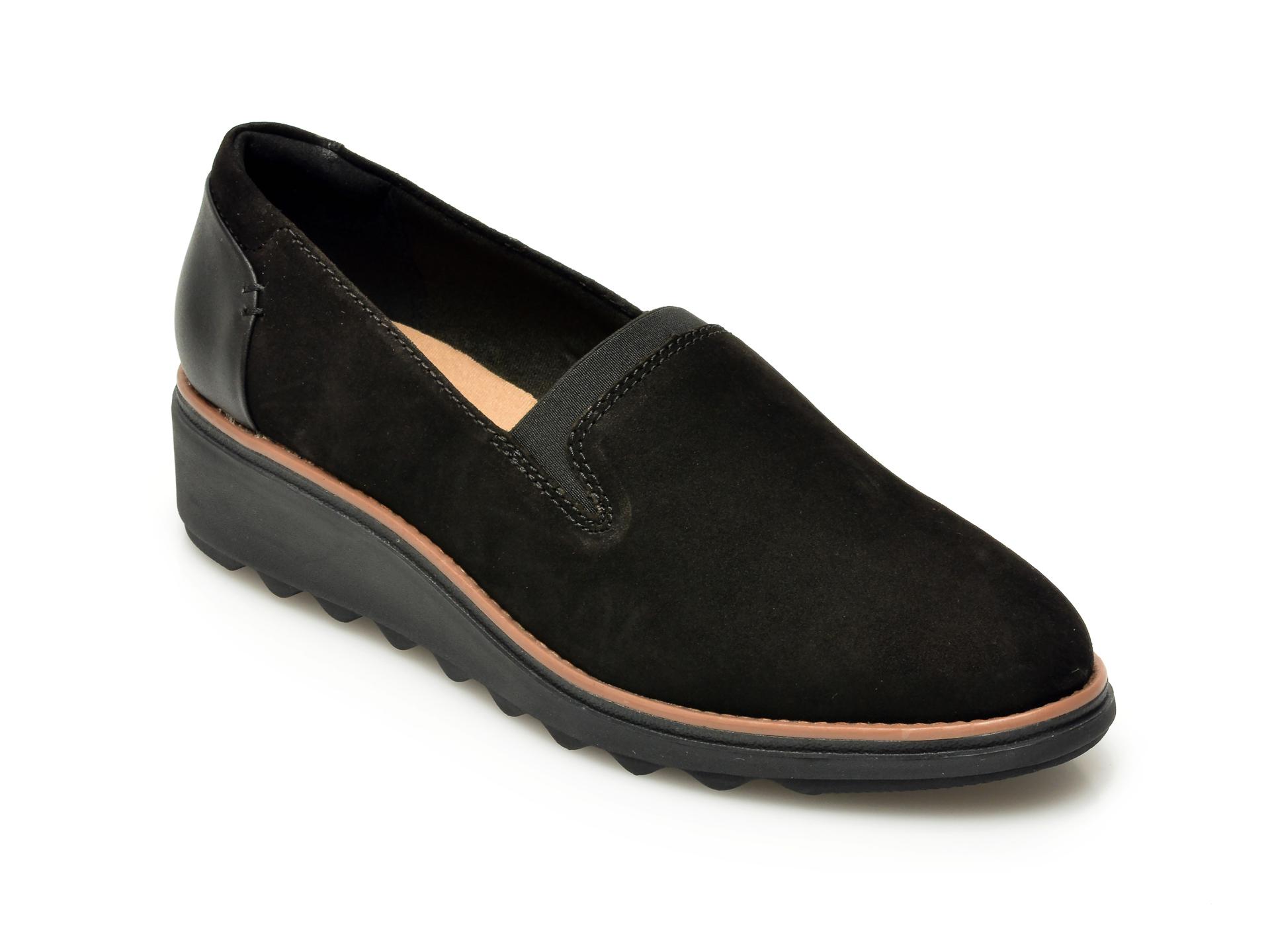 Pantofi CLARKS negri, Sharon Dolly, din piele intoarsa imagine otter.ro