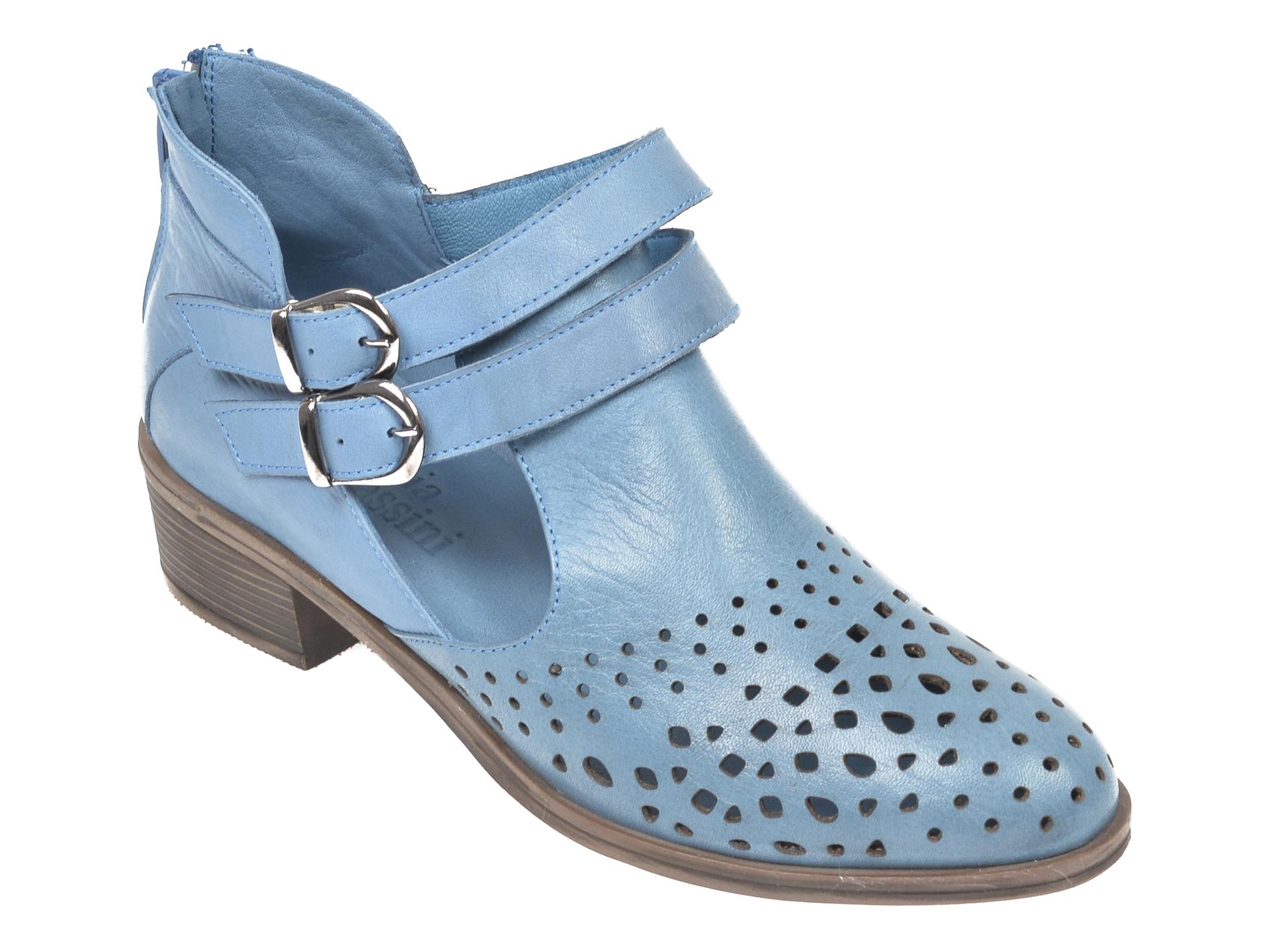 Pantofi FLAVIA PASSINI albastri B004, din piele naturala imagine