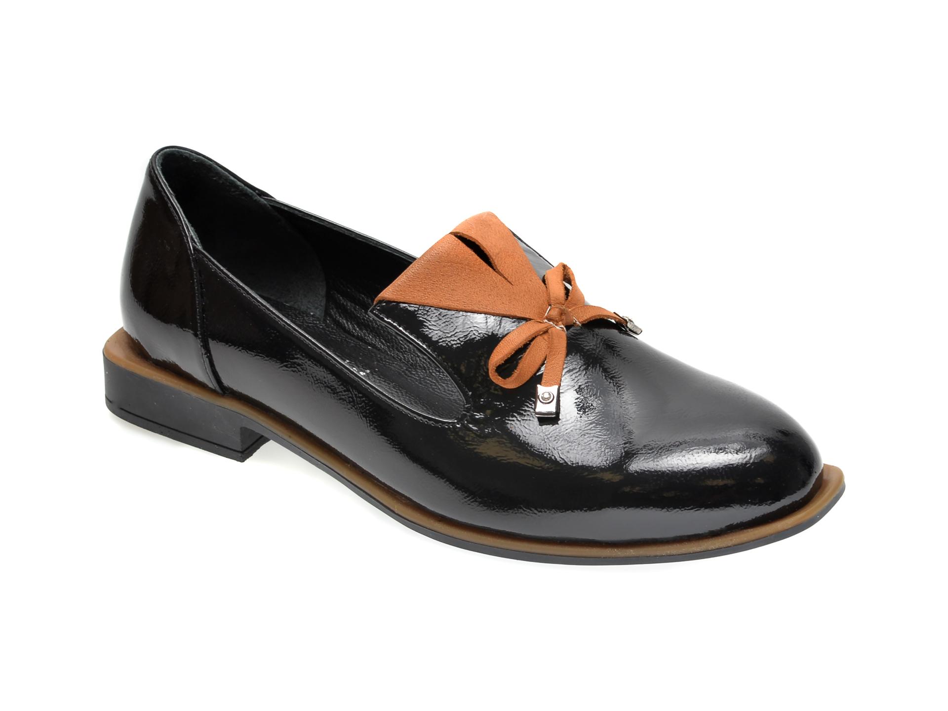 Pantofi FLAVIA PASSINI negri, 372029, din piele naturala lacuita imagine