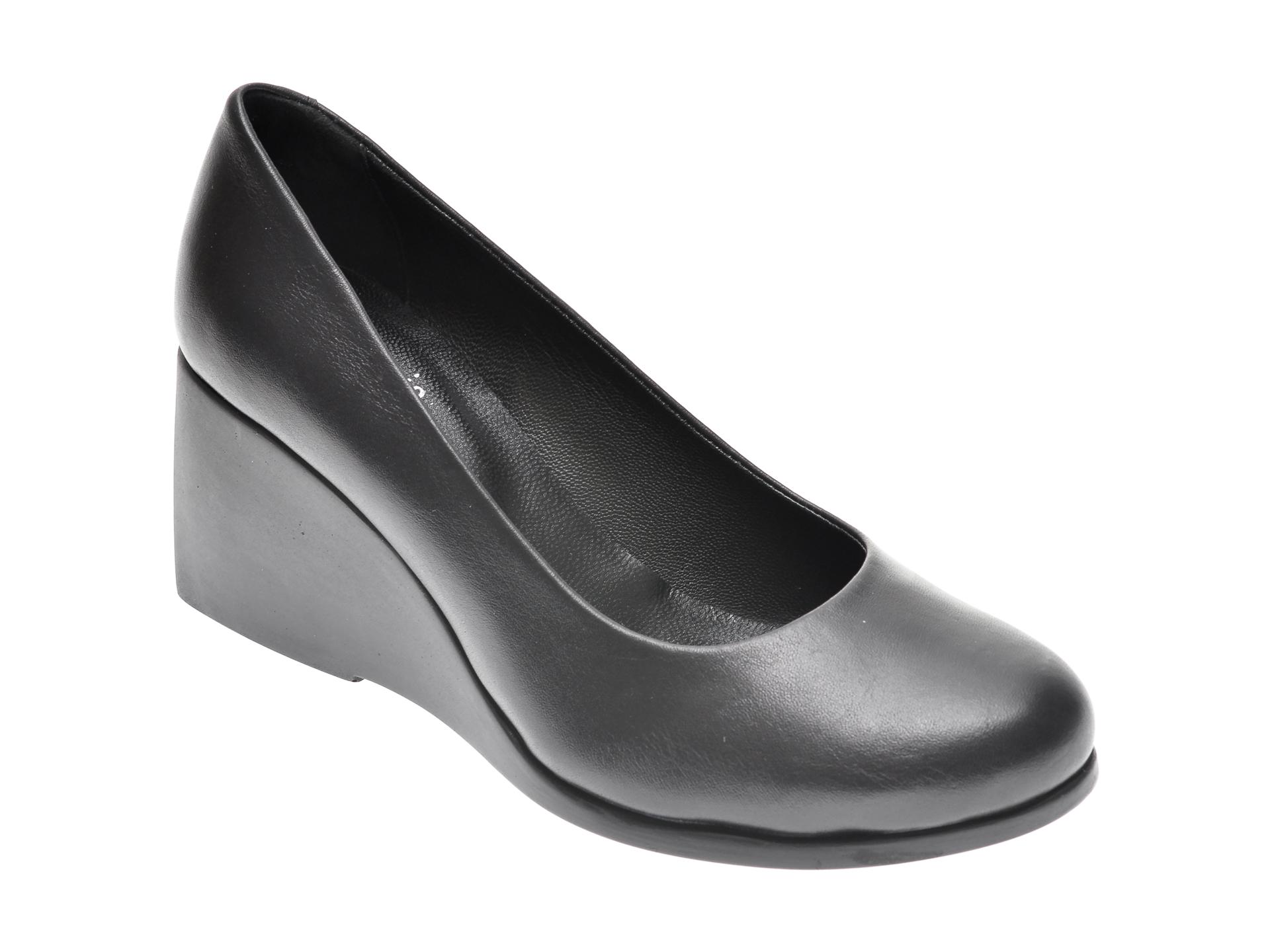 Pantofi FLAVIA PASSINI negri, 59, din piele naturala imagine otter.ro