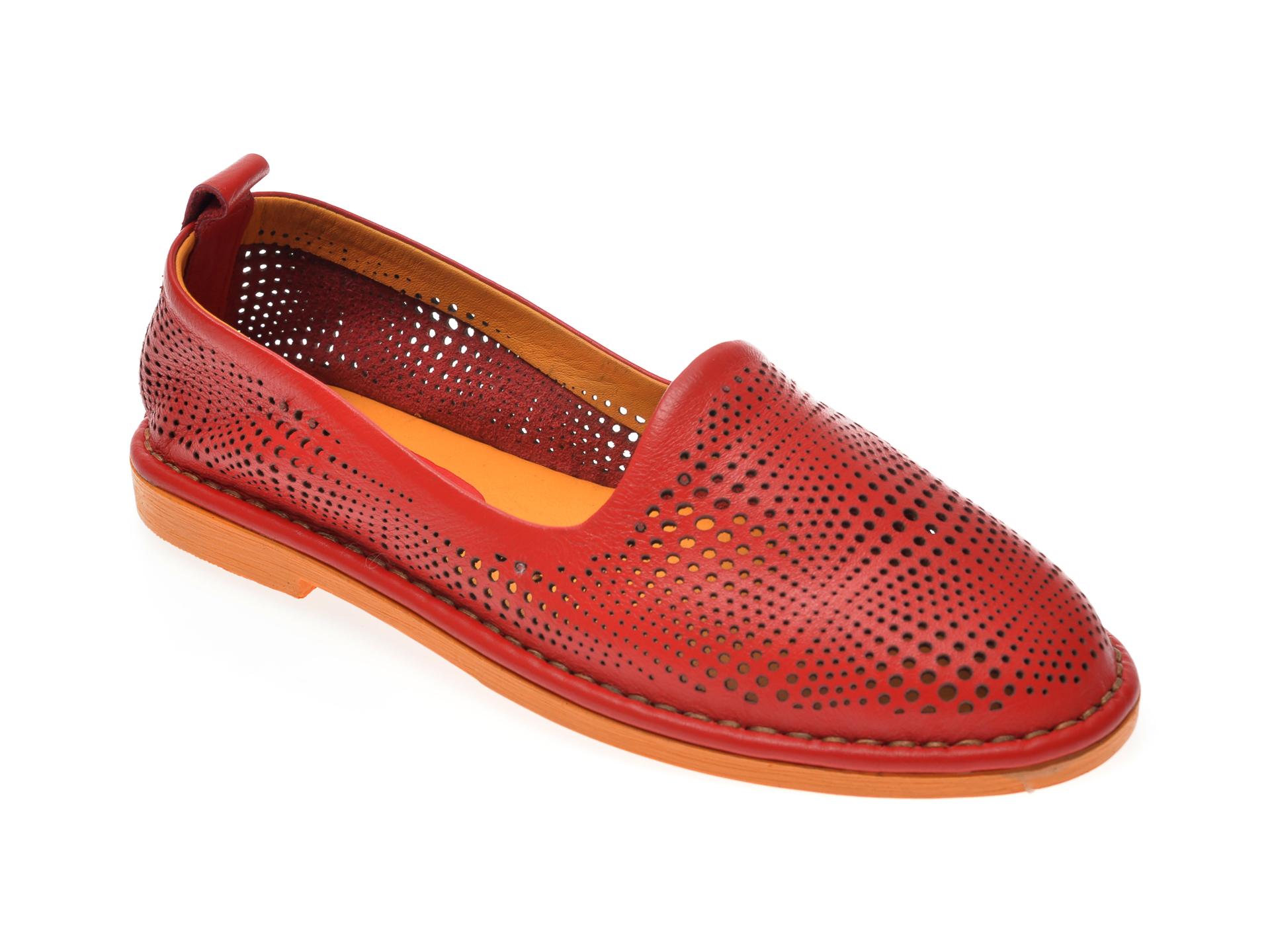 Pantofi LE BERDE rosii, 31, din piele naturala imagine otter.ro