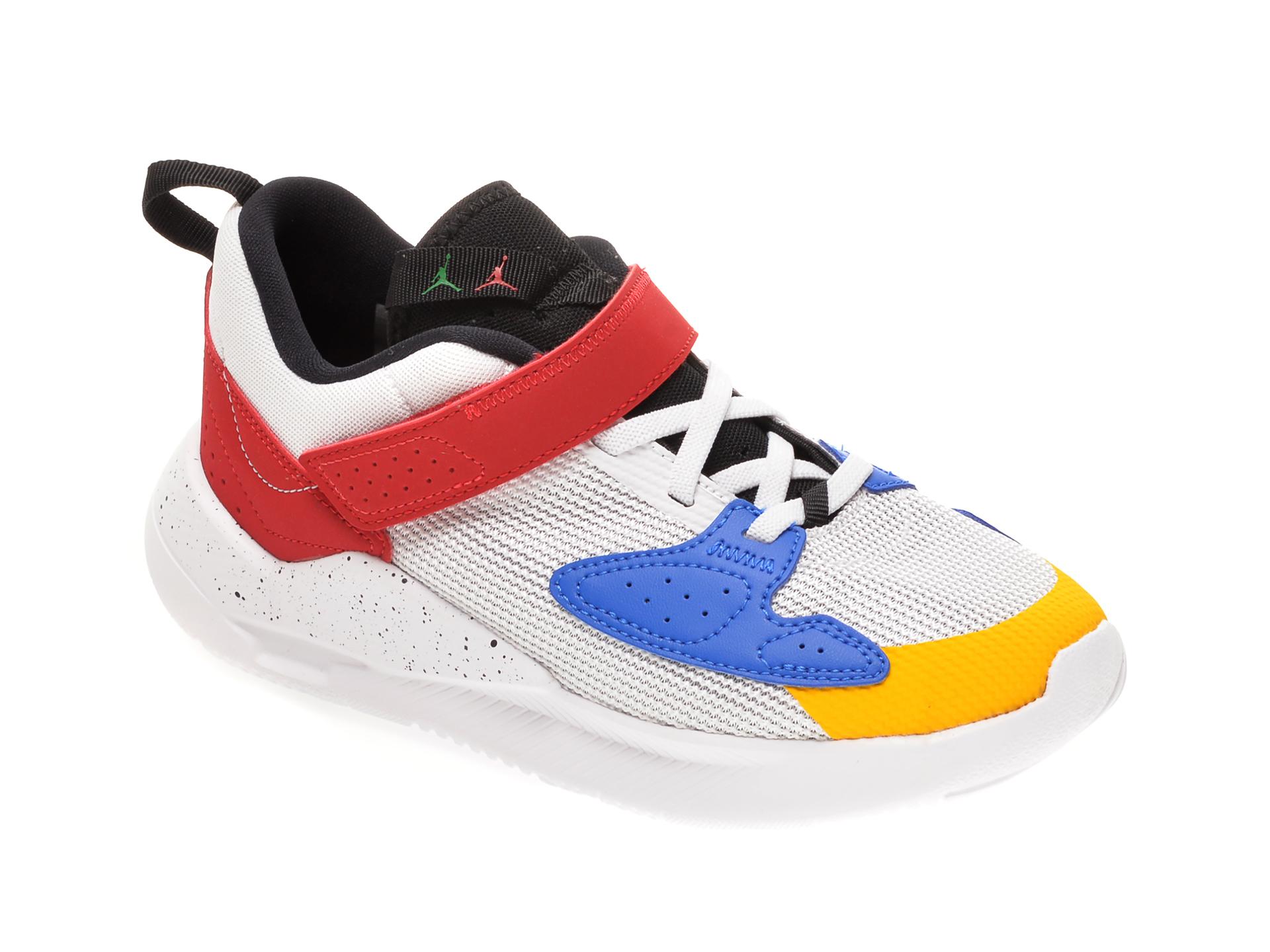 Pantofi sport NIKE albi, JORDAN CADENCE BP, din material textil