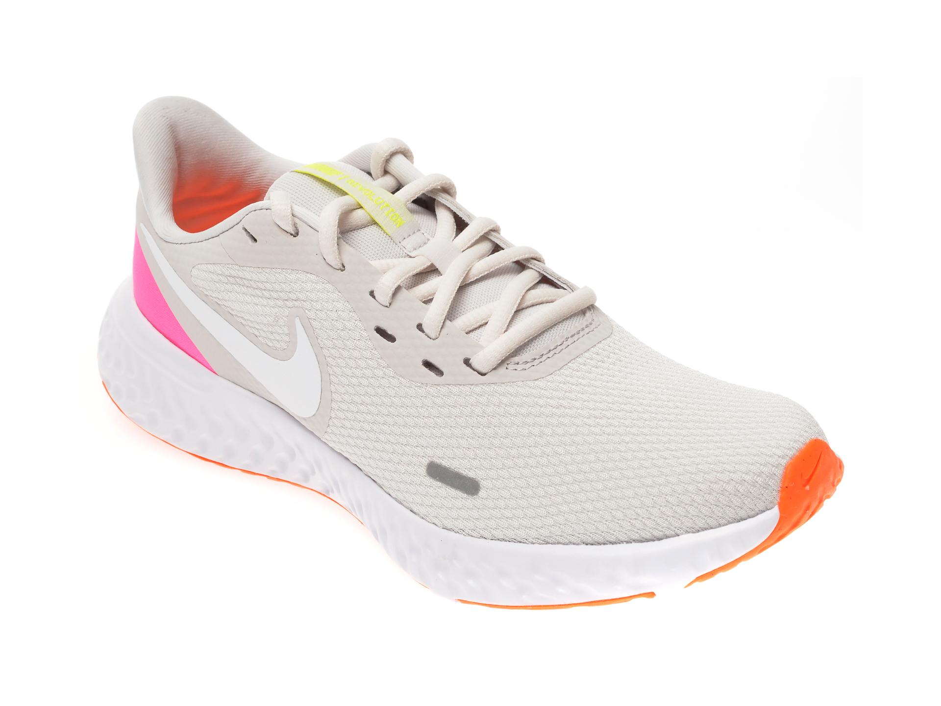 Pantofi sport NIKE albi, Revolution 5, din material textil