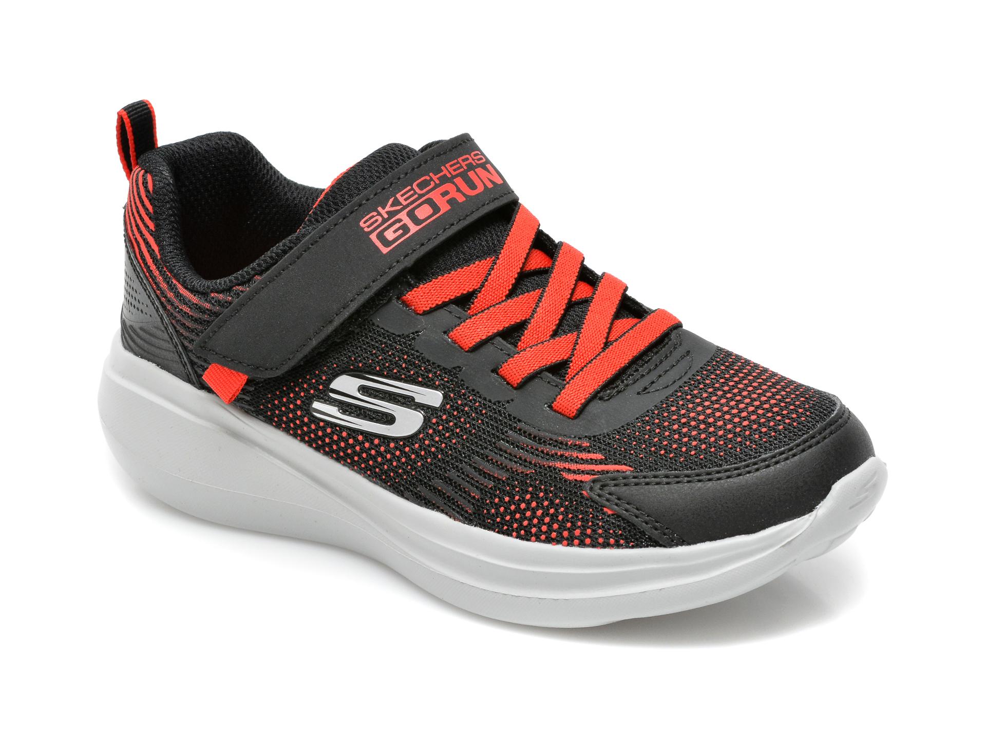 Pantofi sport SKECHERS negri, Go Run Fast, din material textil