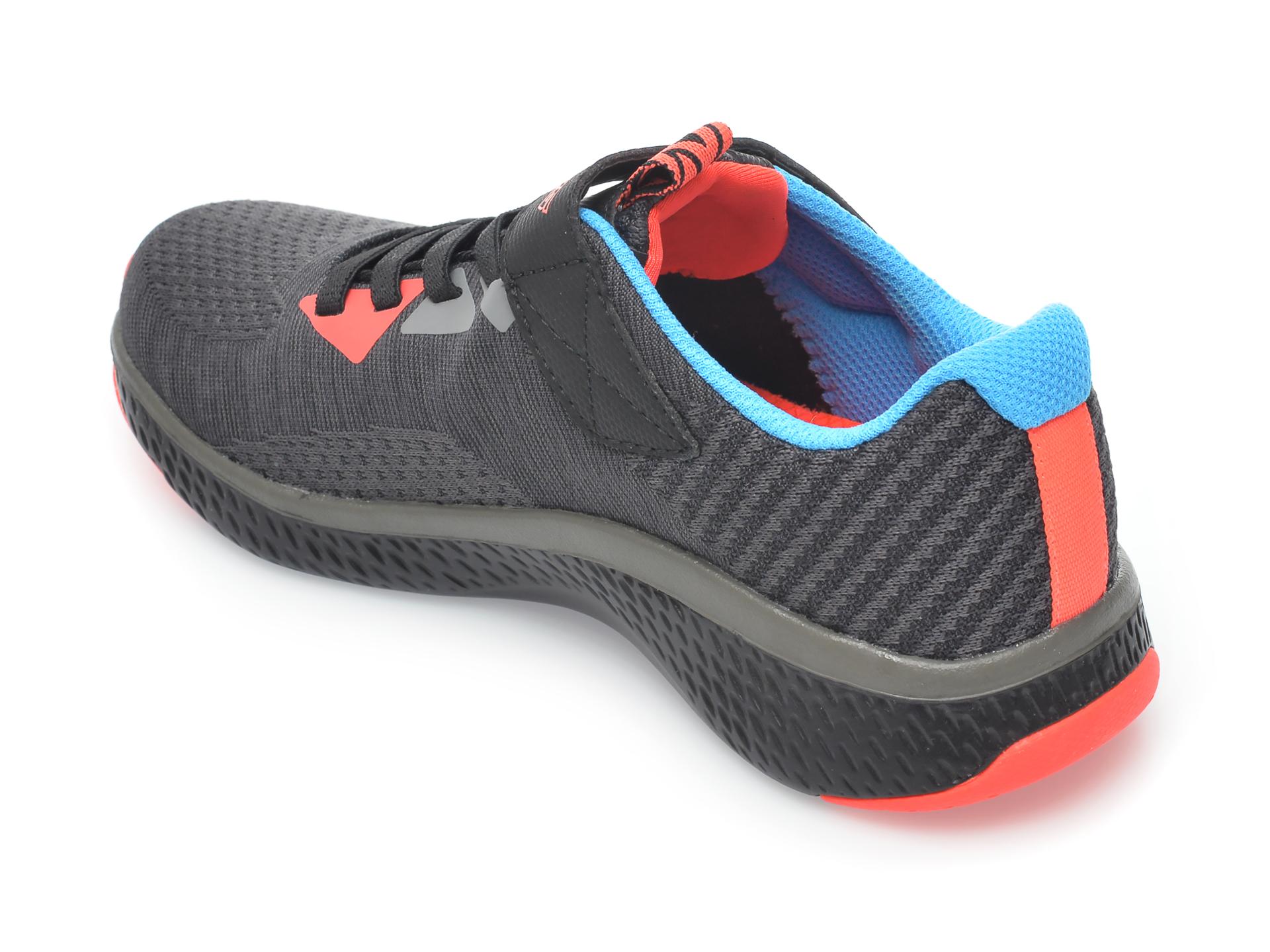Pantofi sport SKECHERS negri, Solar Fuse Speed Blitz, din material textil - 5
