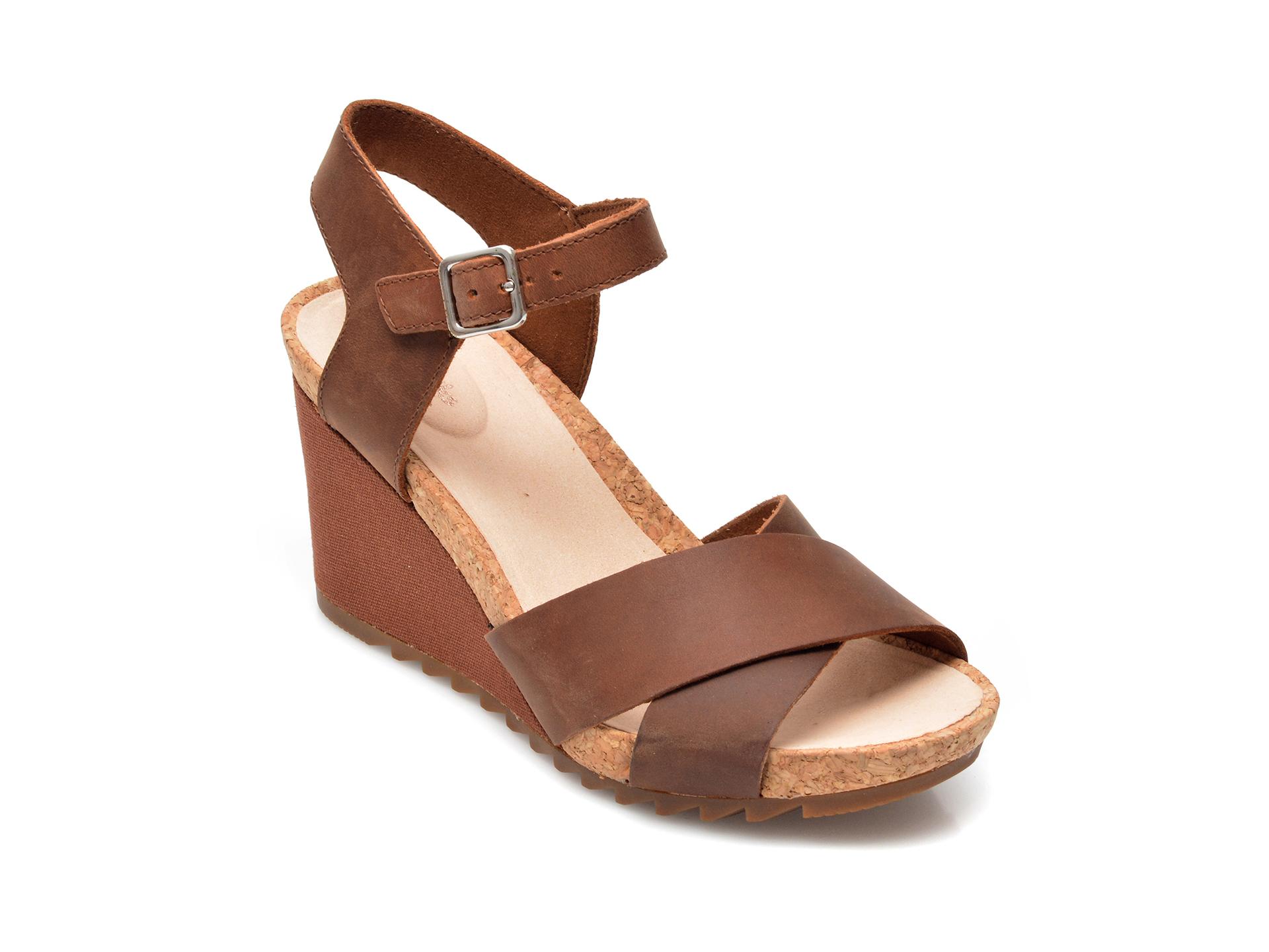 Sandale CLARKS maro, Flex Sun, din nabuc imagine otter.ro 2021